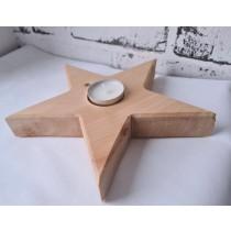 Stern aus Zirbenholz mit Kerze